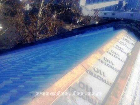 фото монтажа профнастила на крышу