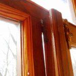 протекание деревянного окна