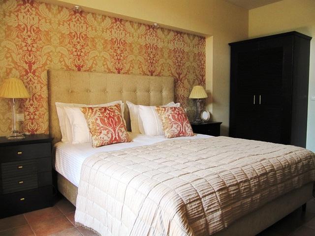 спальня текстильные обои фото