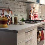 каменный кухонный фартук