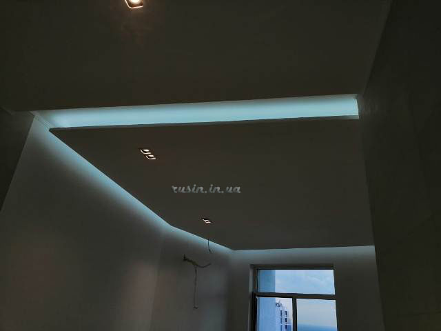 скрытое освещение потолка фото