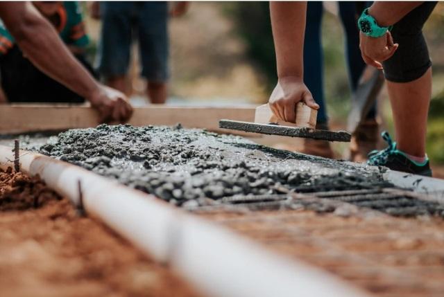 Как выбрать марку бетона для ленточного фундамента