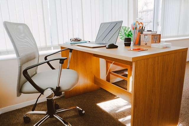 столы регулировка высоты